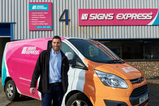 Signs Express Snaps Up New Franchisee